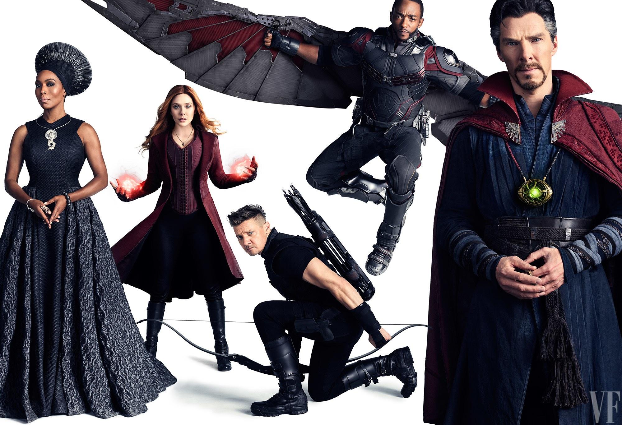 Angela Bassett, mint Ramonda, Elizabeth Olsen, mint Skarlát Boszorkány, Jeremy Renner, mint Sólyomszem, Anthony Mackie, mint Sólyom és Benedict Cumberbatch, mint Doctor Strange