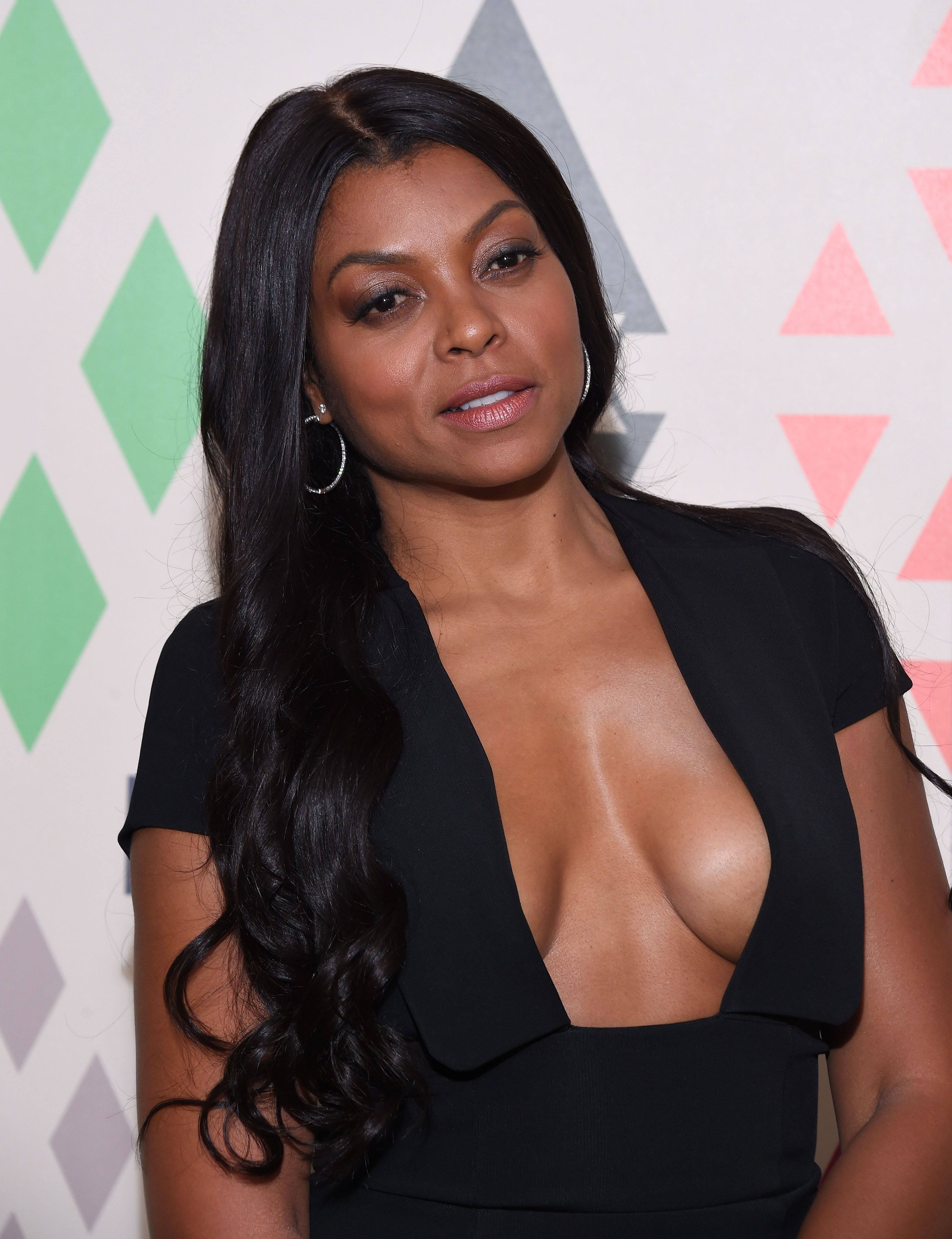 taraji-p_-hensons-huge-cleavage-1.jpg