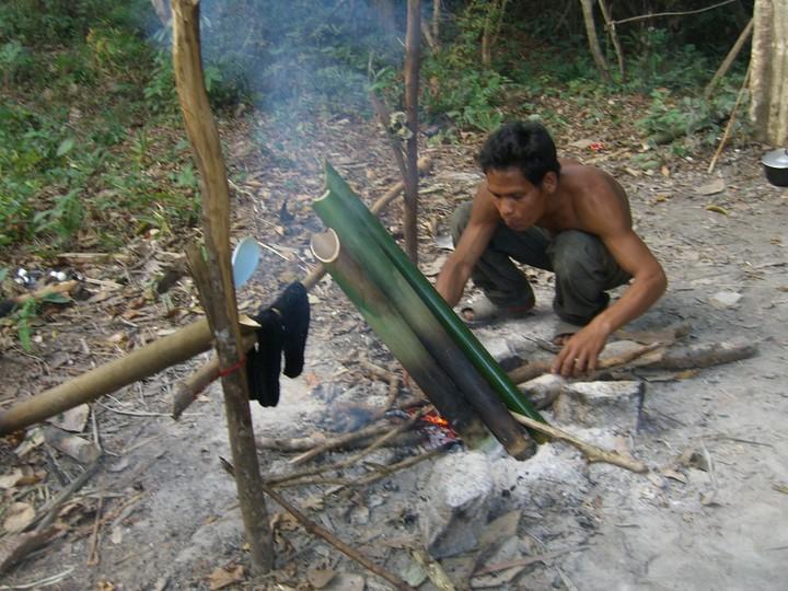 boil water in bamboo.JPG