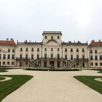 Járjuk körbe a fertődi Esterházy-kastélyt