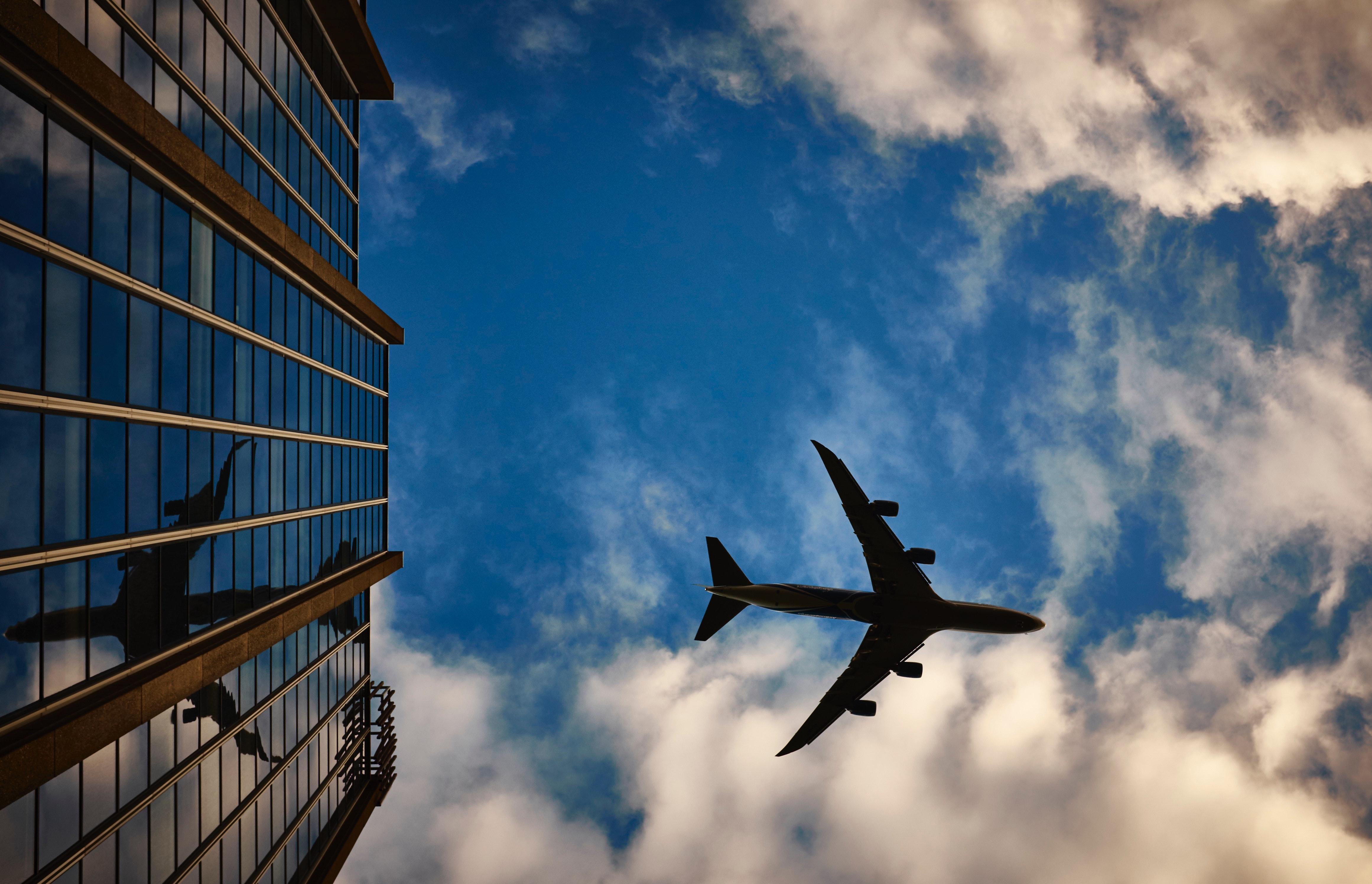 airplane-airport-flying-9482.jpg