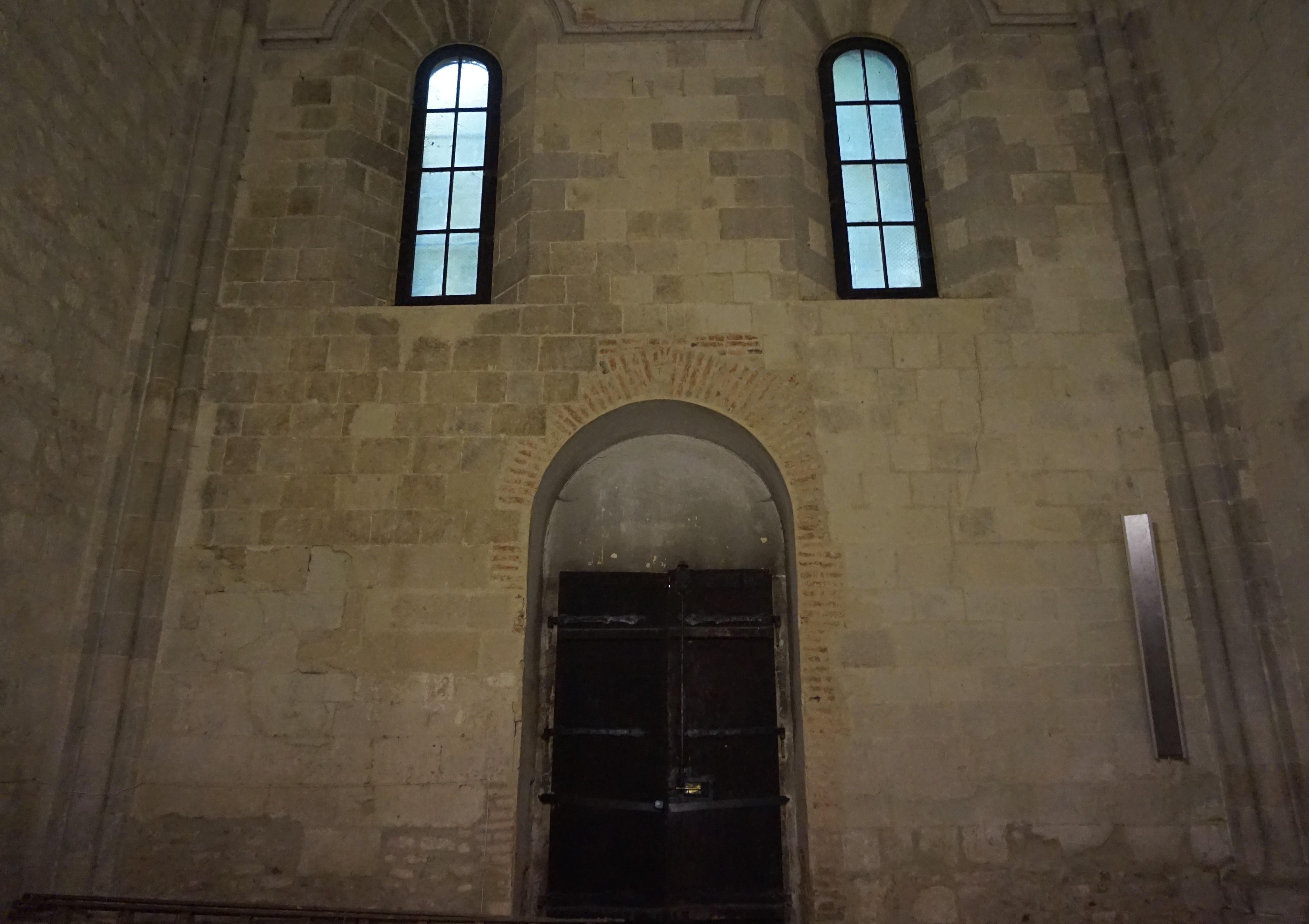 és a Holtak kapuja