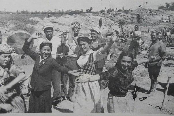 1940: A Nagy Gisszarszkij csatorna építése