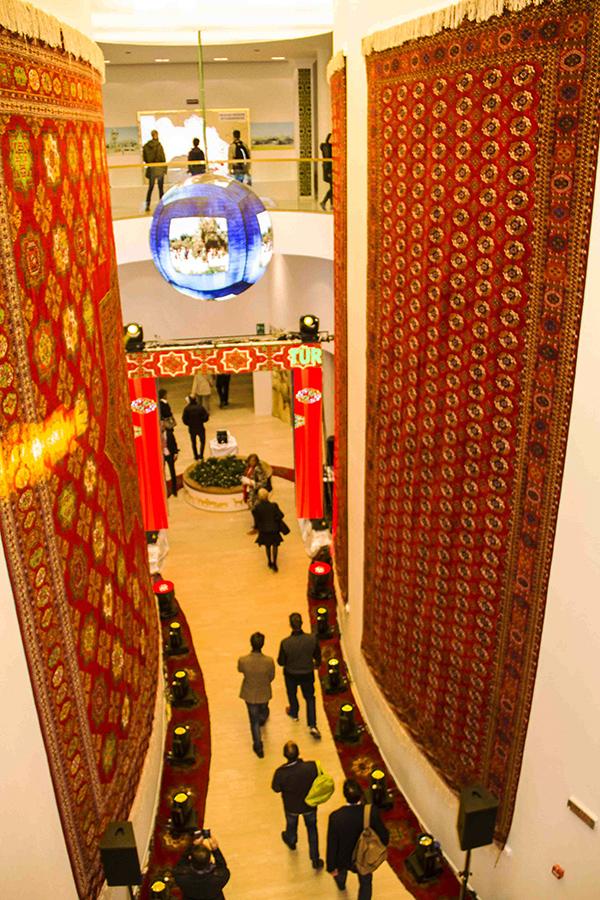 turkmenistanpavilion.jpg
