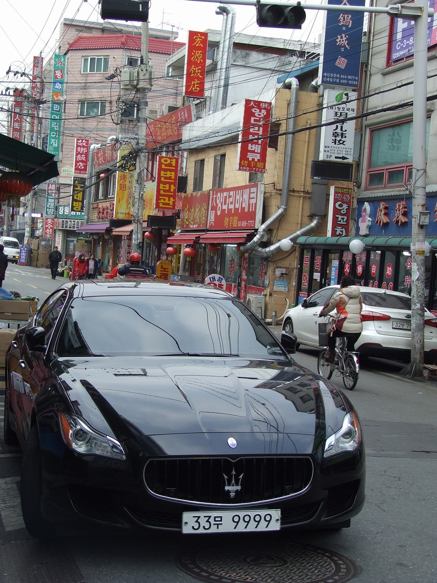 indokolatlan Maseratik...