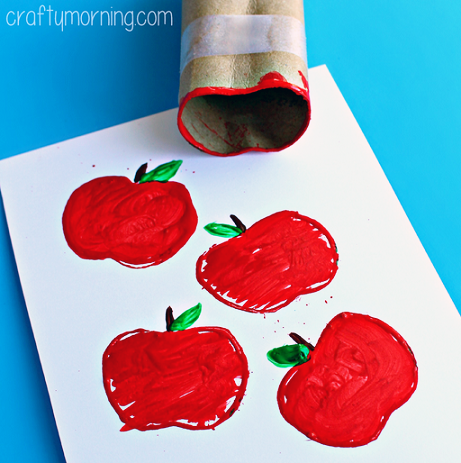 toilet-paper-roll-apple-stamp-craft-for-fall-2.png