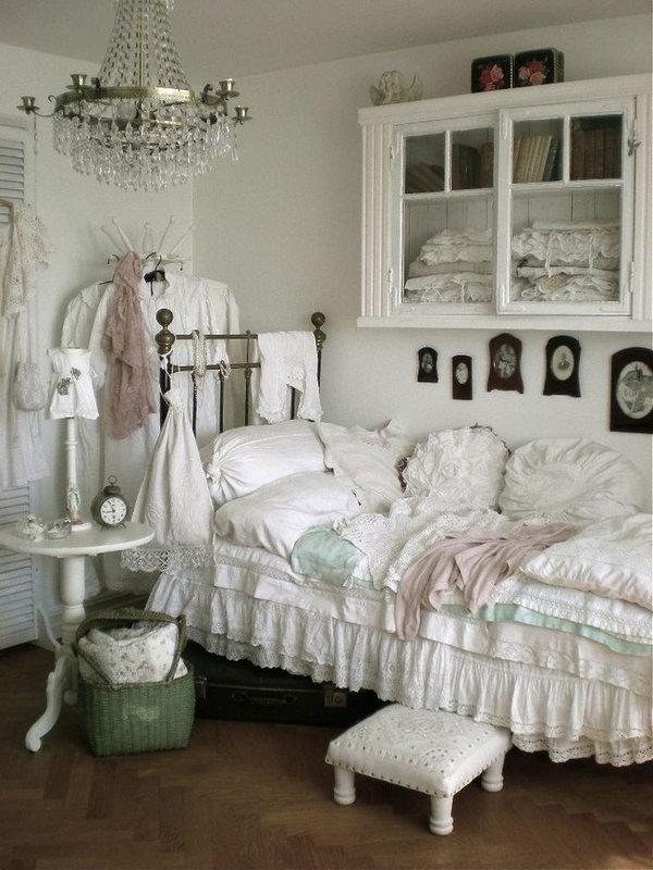 11-shabby-chic-bedroom.jpg