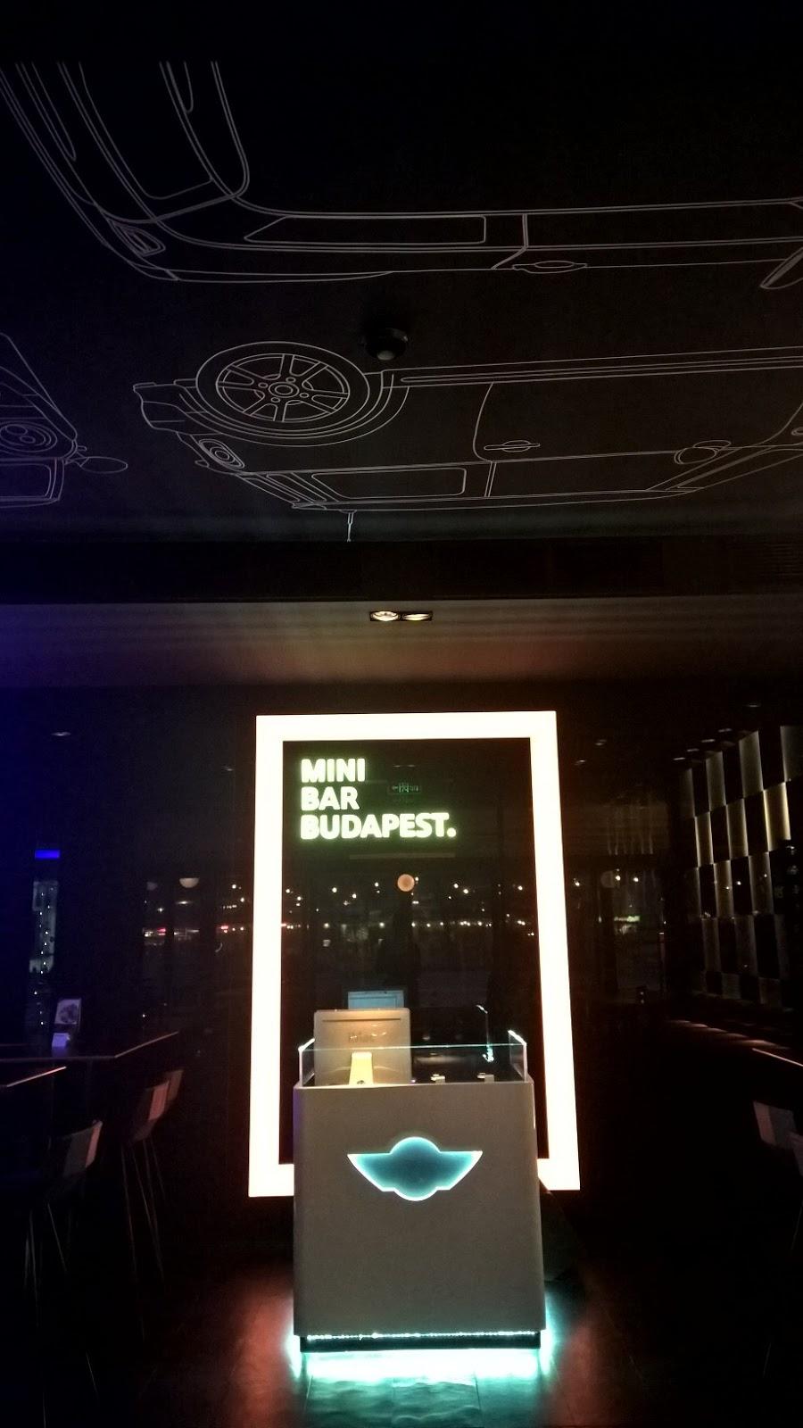 Extravagáns új bár a bazilika mellett: Mini