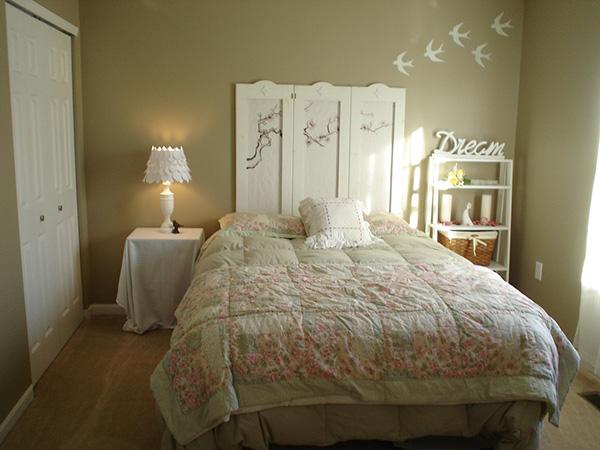 22-shabby-chic-bedroom.jpg