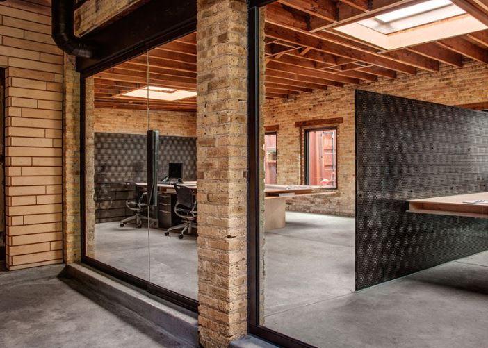 A modern iroda menő a raktárban