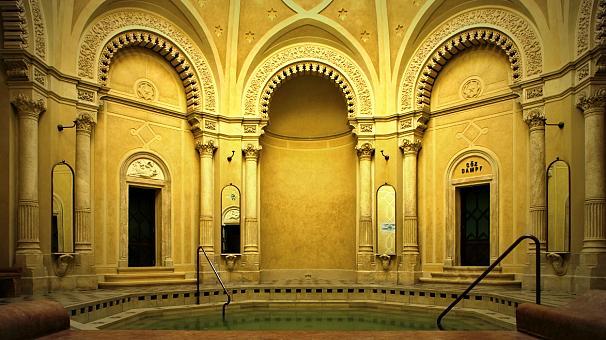 A Rác fürdő káprázatos belső terei - ajánló