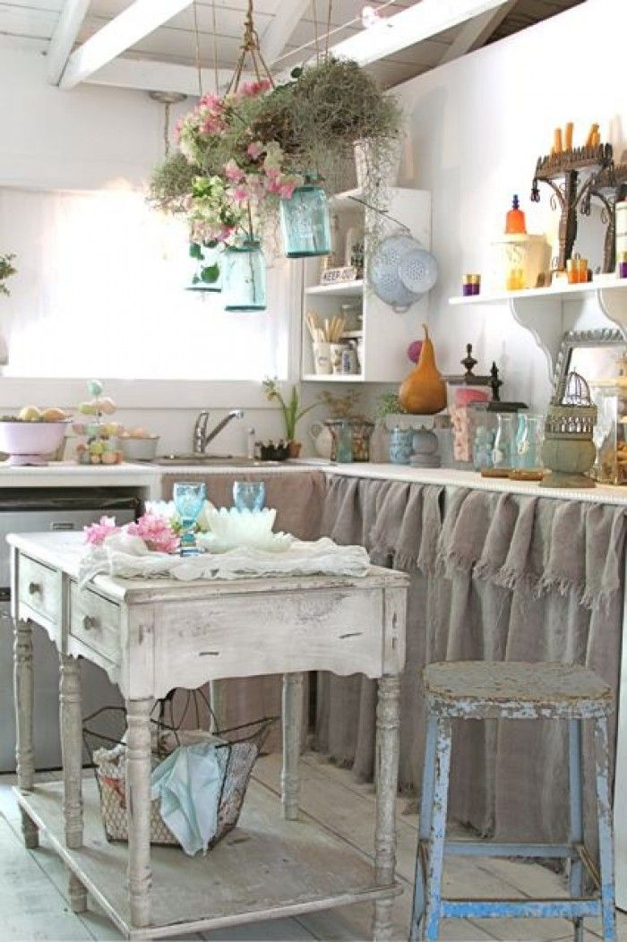 chabby-chic-kitchen-interior.jpg