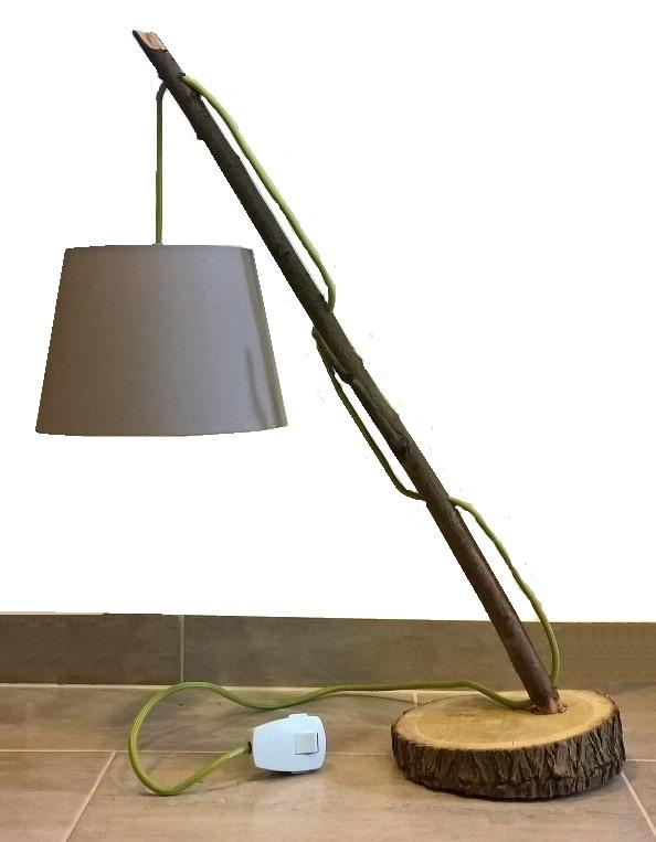 Csinálj magadnak fából különleges asztali lámpát olcsón!