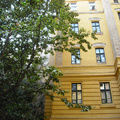 Radnóti Miklós diákévei színhelyének felújított belső udvara