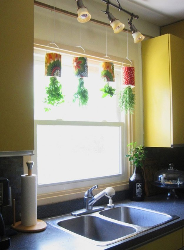 indoor-herb-garden-ideas-coffee-tin-hanging-herb-garden.jpg