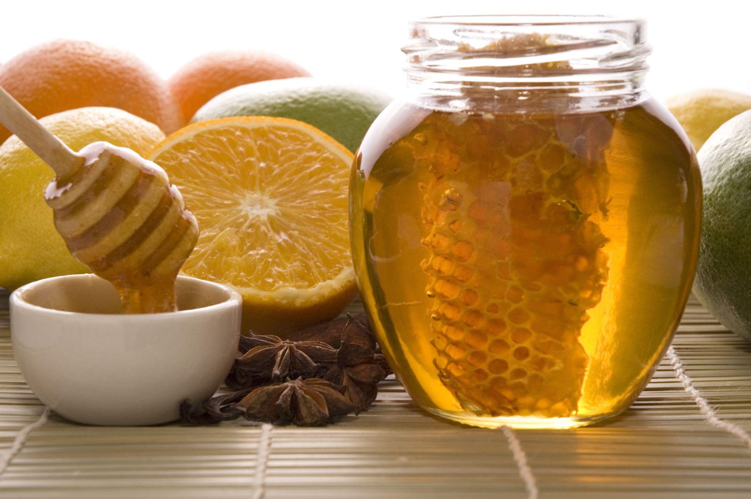 3457411_123rf_honey-fruits-bg.jpg