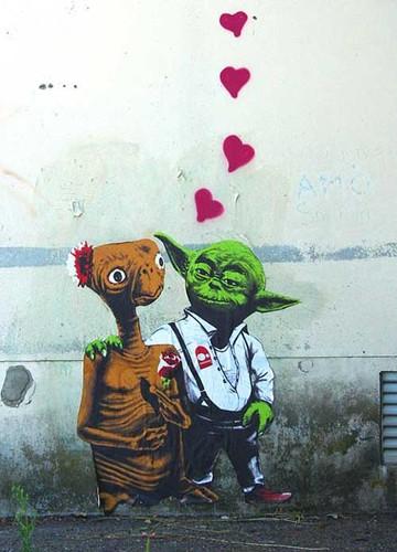 e,t,,love,star,wars,street,art,yoda,illustration-d53242d75d6453753dd417968e6c9b75_h.jpg