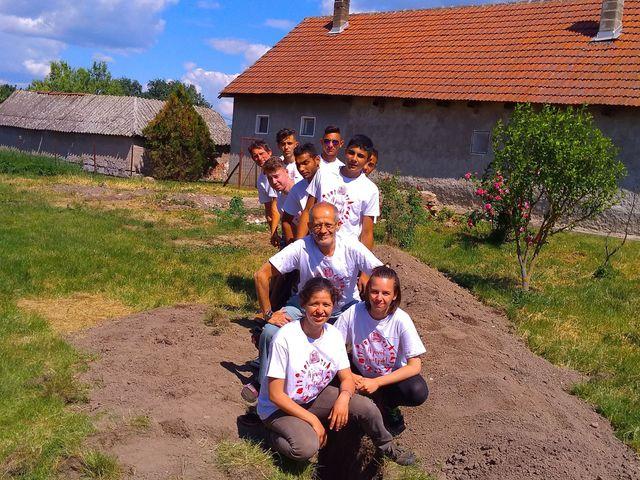 Indahouse-nál önkénteskedtünk