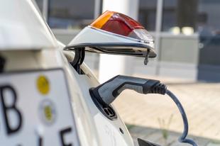 Elektromossá alakítja régi bogárhátúnkat a VW