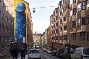 Vége az öt emeletes kék pénisznek Stockholmban