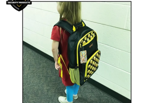 Golyóálló hátizsák az amerikai iskolakezdés slágerterméke