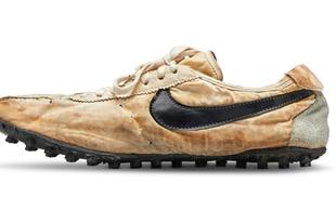 127 000 000 forintért kelt el egy Nike futócipő