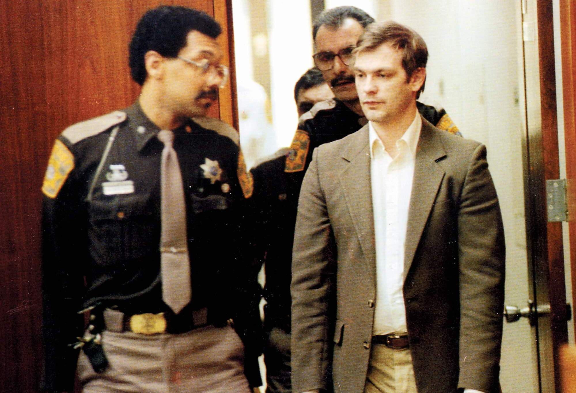 jeffrey-dahmer-serial-killerjpg-5897a78725dc71e9.jpg