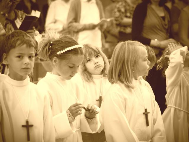 A vallás hatására már gyerekként elszakadunk a valóságtól