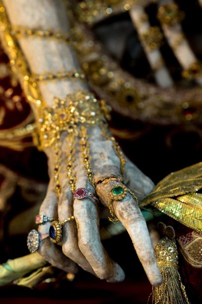A Rohrschachi Szent Konstantinus ujjait készítői gyűrűi is díszítik