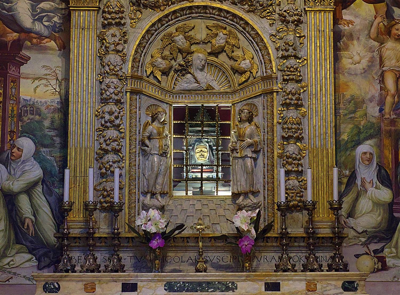 Szent Katalin feje Sienában