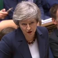 A brit parlamenten a világ tekintete