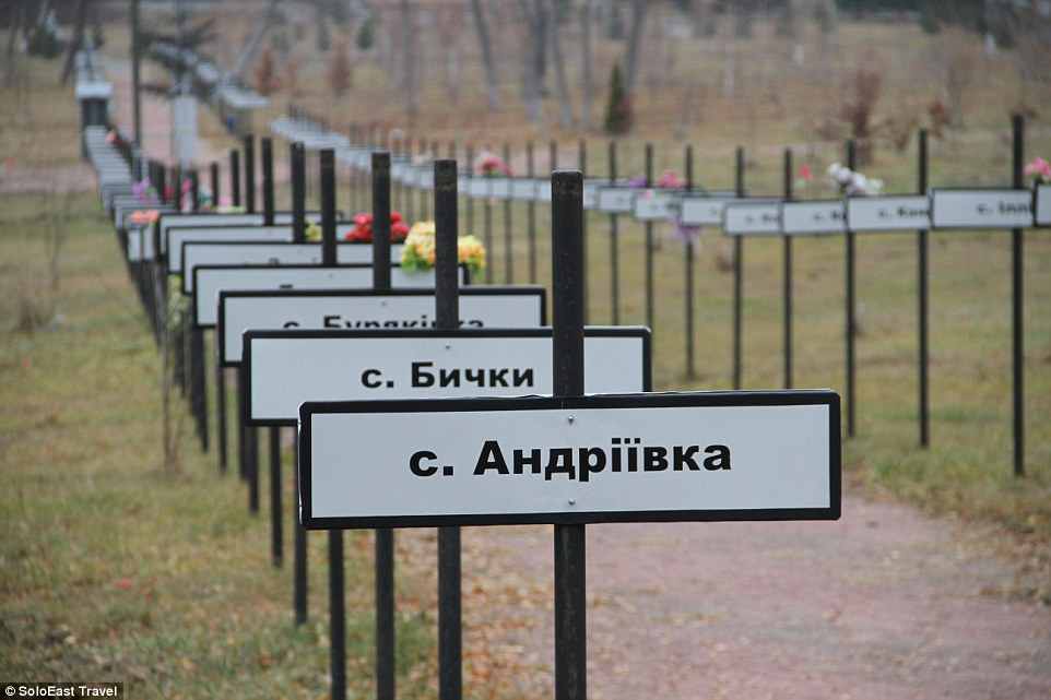 csernobil kitelepített falvak temetoje