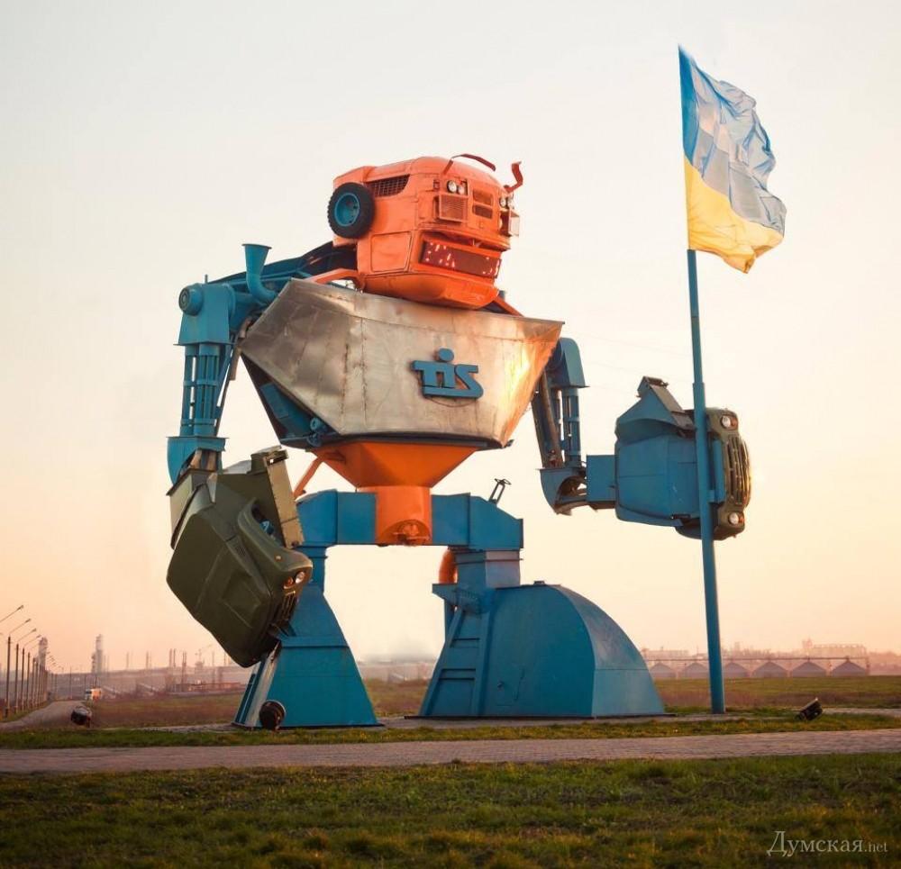 zil transzformersz szobor