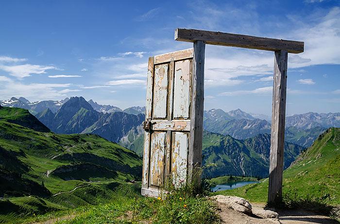 amazing-old-vintage-doors-photography-40.jpg