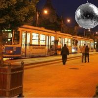 Díszkivilágítás helyett véletlenül diszkóvilágítást kapott a Kossuth tér