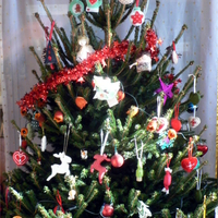 Gyönyörű kézműves karácsonyfánk