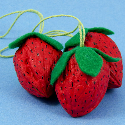 3strawberries440_1.jpg