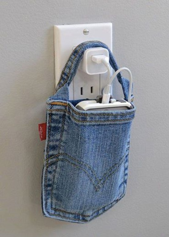 cell-phone-charging-holder_-out-of-a-pocket-of-jeans_1.jpg