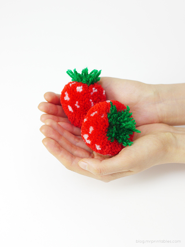 mrprintables-pompom-strawberries-in-hands_1.jpg