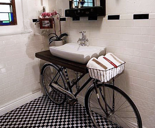 bike-in-a-bathroom-160542.jpg