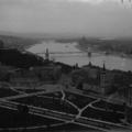 A nap képe: a Lánchíd díszkivilágítása az 1930-as években