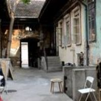 Padokra épült házikókkal hívják fel a figyelmet a lakhatási problémákra az Erzsébet téren. FRISSÍTVE fotókkal
