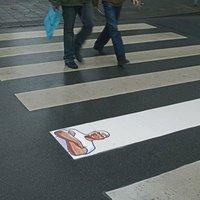 Kreatív gyalogátkelőhely-reklámok