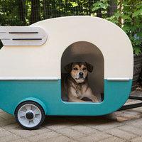 Retro lakókocsis kutyaházak és madáretetők