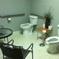 A nap képe: fürdőszoba két vécével