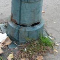 Életveszélyes lámpaoszlop a Bosnyák téren?