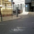 Ennyire nem büszke Ferencváros a BMC-re? Frissen díjazott épületünk mellett épp szétesik a frissen rakott burkolat