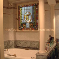 Fürdés az oltárban 199 millióért