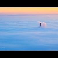 Meseszép videó a felhőpaplan alatt alvó Budapestről