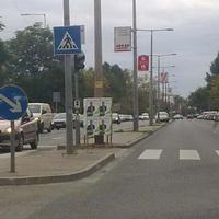 Hogyan tizedeljük meg a választókat? Most is vannak életveszélyes választási plakáthelyek Budapesten